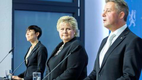 Fredag holdt statsminister Erna Solberg (i midten), justis- og beredskapsminister Per-Willy Amundsen (t.h) og forsvarsminister Ine Eriksen Søreide pressekonferanse om regjeringens arbeid for sikkerhet og beredskap. Lørdag kveld beklaget Amundsen uttalelser om 22. juli og Arbeiderpartiet.