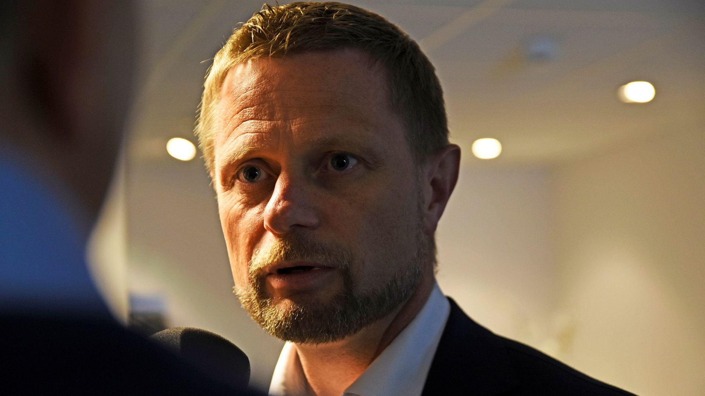 Helse- og omsorgsminister Bent Høie mener situasjonen mellom Legeforeningen og staten er krevende etter at forhandlingene mellom partene brøt sammen.