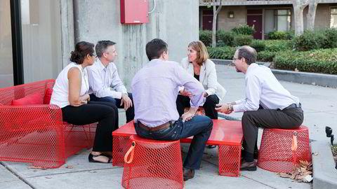 Slik fremstiller Singularity University gruppearbeidene som foregår på tenketankens lederkurs.