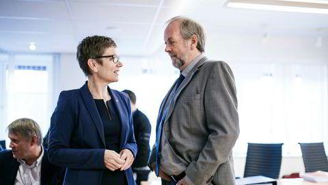 President i Legeforeningen Marit Hermansen og legenes forhandlingsleder Rune Frøyland er oppfordret til å finne en frivillig løsning med Spekter på den langvarige konflikten om 2016-oppgjøret.