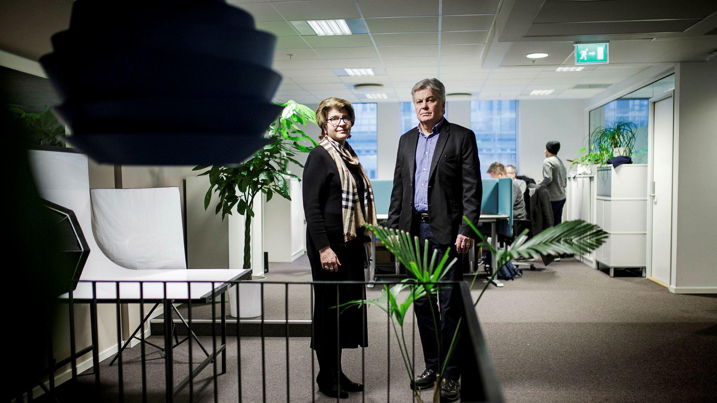 Direktør Randi Flesland i Forbrukerrådet og tidligere fondskunde i DNB Tom Loe tapte i retten mot DNB.