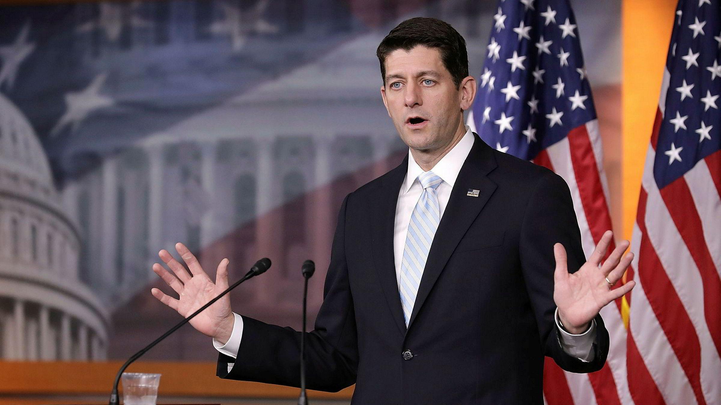Paul Ryan slakter Barack Obamas benådning av Chelsea Manning.