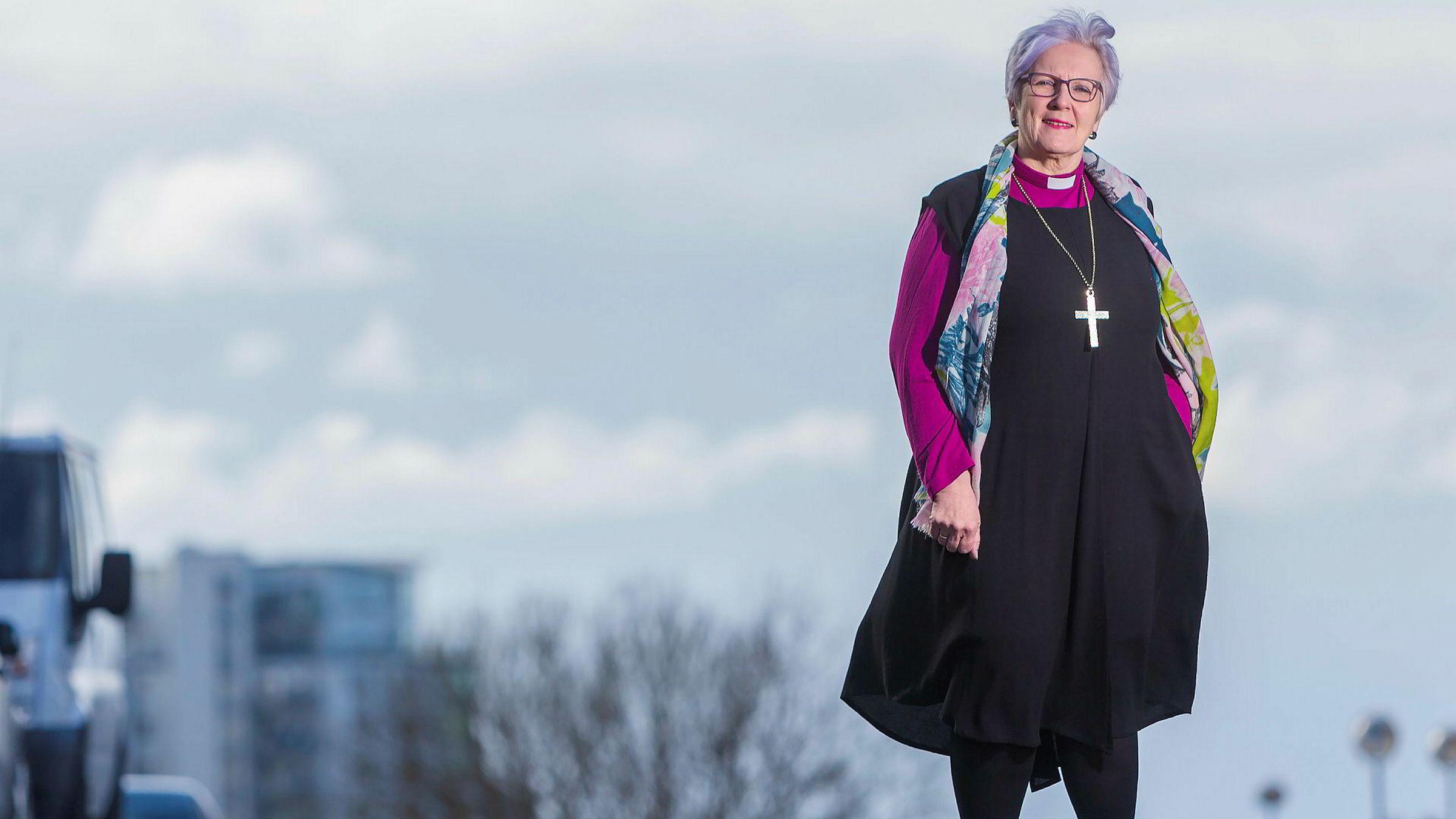 - Det nytter ikke å være solospiller som sjef, man må se sine medarbeidere, sier Ann-Helen Fjeldstad Jusnes, biskop i Sør-Hålogaland bispedømme.