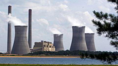 Det haster enormt å omstille kloden til å bli klimanøytral. Her det kullfyrte kraftverket Schereris i Georgia, USA som mange forskere mener er USAs største enkeltkilde til utslipp av CO2.
