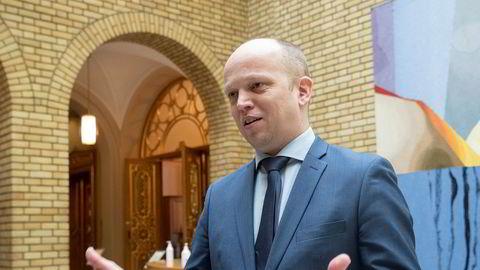 Senterpartileder Trygve Slagsvold Vedum mener utvalget bør bestå av medlemmer fra hele Norge, og at det i dag er for Oslo-tungt.