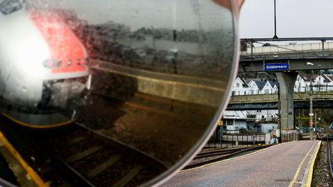 For høye krav til sikkerhetsstillelse demper konkurranse om å kjøre Sørlandsbanen, mener NHO.