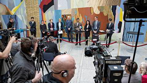 Ansvarlige politikere må ikke bare unngå å vedta unødvendige utgifter, men også bli enige om et bredt forlik om innsparinger etter krisen, skriver Haakon Riekeles i innlegget. Forlik om koronatiltak presenteres på pressekonferanse på Stortinget 16. mars.