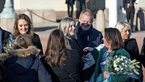 Geir-Inge Sivertsen som nyutnevnt fiskeriminister på slottsplassen i januar.