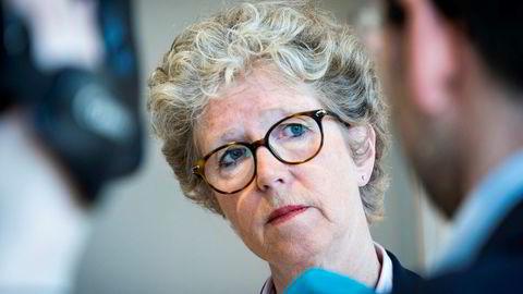 Det amerikanske handelsdepartementet har innført straffetoll mot produsenter av valset aluminium i 18 land. Det rammer Hydro, her ved konsernsjef Hilde Merete Aasheim, i Tyskland.