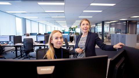 Administrerende direktør i Global Connect Norge, Charlotta Rehman (til høyre), er på ett punkt overrasket over sjefenes holdning til hjemmekontor. Her er hun sammen med informasjonssjef Anne Vandbakk i Global Connect Norge