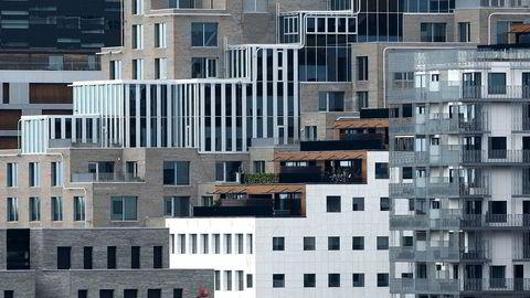 Forvaltere er uenige det er en god idé å investere i eiendomsselskaper nå, eller ikke.