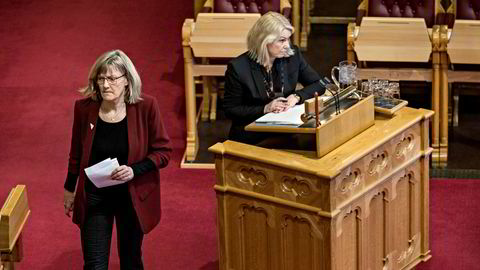 – Vi må ikke stille oss på gal side i Europa sammen med de mest ekstreme, nasjonalistiske kreftene som vil stenge grensene, sier SVs Karin Andersen (til venstre).