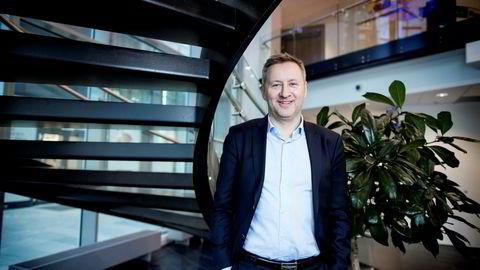 Sjeføkonom Frank Jullum i Danske Bank tror ikke lenger på noen krise i norsk økonomi.