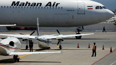 Et amerikansk jagerfly fulgte et iransk passasjerfly gjennom syrisk luftrom torsdag kveld, bekrefter USA, som avviser at det var kollisjonsfare.
