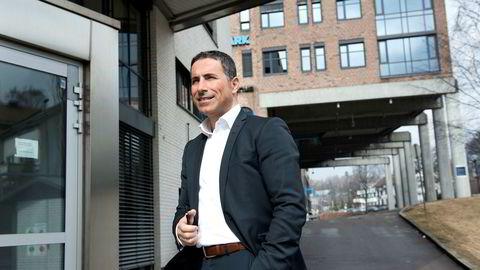 – Jeg kan bekrefte at vi selger kundemassen og går ut av markedet, sier Nadir Nalbant, styreleder og gründer i Hello.