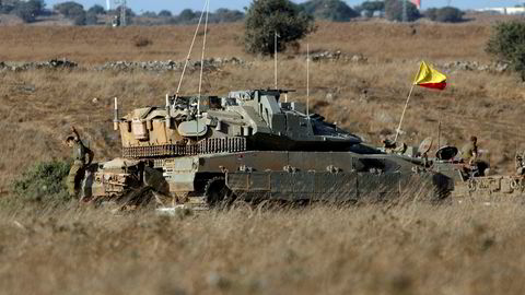 Israelske kampfly og helikoptre gjennomførte mandag kveld flere angrep mot syriske regjeringsstyrker sør i Syria. Her fra Golanhøydene, som Israel okkuperte fra Syria i 1967, på mandag.