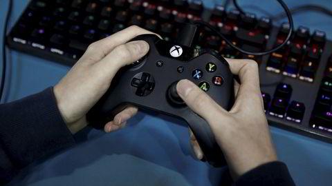 Microsoft og Sony starter forhåndssalget av en ny generasjon spillkonsoller. Koronapandemien har ført til en ny interesse for dataspill på mobil, datamaskiner og spillkonsoller. Omsetningen kan passere film- og musikkindustrien allerede i år.