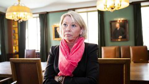 Kommunal- og moderniseringsminister Monica Mæland (H) utsetter den omstridte nye distriktsindeksen som hadde hatt innvirkning på inntektsfordelingen mellom norske kommuner. Foto: Per Thrana