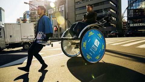 Betalingsappen Alipay brukes over store deler av Asia, som til å betale rickshaw-turer i Tokyo. Nå kan det kinesiske morselskapet Ant group sette børsnoteringsrekord.