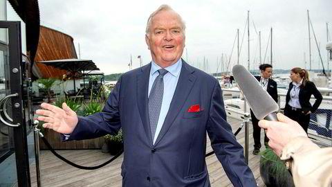 Herbjørn Hansson (bildet) er styreleder, administrerende direktør og grunnlegger av Nordic American Tankers som for øyeblikket tjener enormt med penger på dagens høye rater. Her er fra John Fredriksens 75 års dag.