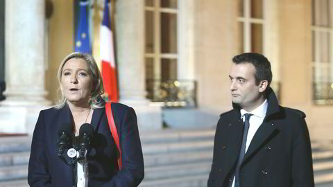 Marine Le Pen og hennes nestleder Florian Philippot. Han henger nå i en tynn tråd etter valgfiaskoen.