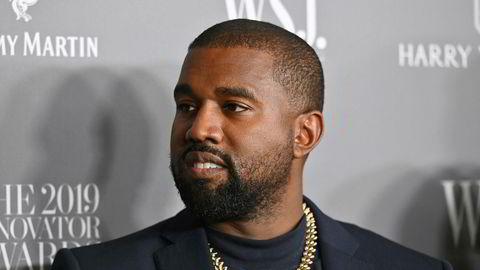 Rapperen Kanye West skriver i en melding på Twitter at han stiller som kandidat til presidentvalget i USA i år.
