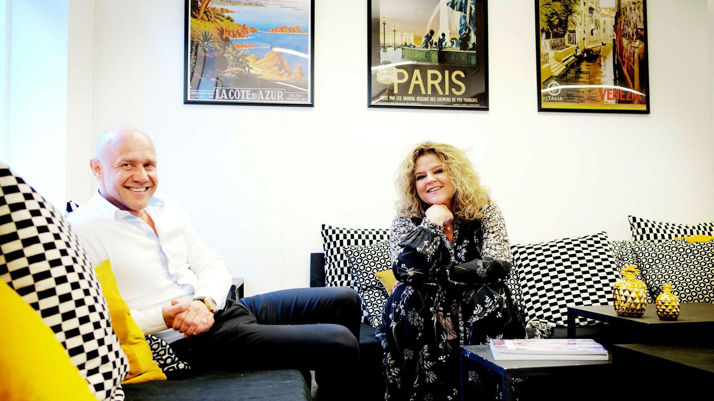 Signy Fardal fortsetter i jobben som Elle-redaktør. Her er hun sammen med Kjetil Tveter, gründeren bak United Influencers.