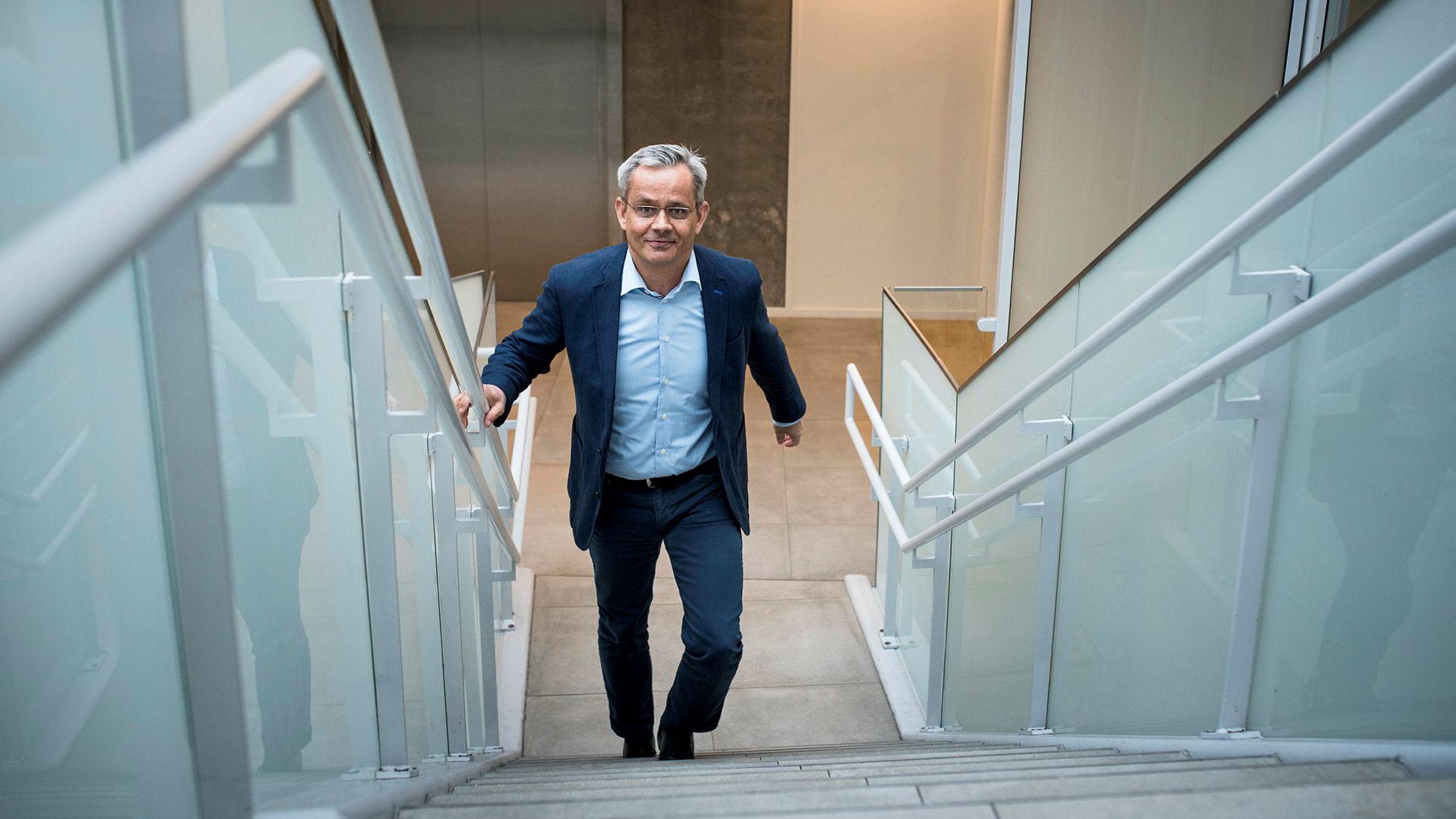 Administrerende direktør i Egmont Espen Asheim er strålende fornøyd med 200 millioner i pluss, selv om det er noe mindre enn i 2015.