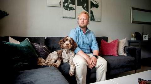 Fredrik Staubo (31) og samboeren skulle egentlig kjøpe seg ny leilighet sammen, men Staubo forteller at de planene har gått i vasken fordi det går mot søksmål i bygården han eier i.