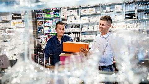 Hovedeier og gründer av Kitchn, Wiggo Erichsen (til venstre) på kjøpesenteret Kvadrat utenfor Stavanger. Her sammen med medeier og administrerende direktør Odd Sverre Arnøy.