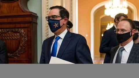 Den amerikanske finansministeren Steven Mnuchin etter gårsdagens møte med leder for Representantenes hus.