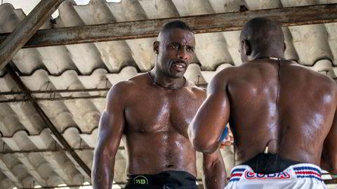 Cubakrisen. Idris Elba på bokseklubben Rafael Trejo i Havanna på Cuba.