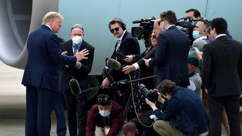 President Donald Trump har så langt ikke blitt avbildet med ansiktsmaske under koronapandemien. Torsdag vil han besøke Fords fabrikk i Michigan hvor det er påbud om maske, men presidenten må selv avgjøre om han vil følge reglene.