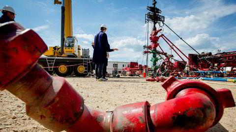 Citigroup tror det kan tre til seks måneder, men skiferoljen fra USA kommer til å treffe markedet med stor kraft. Her fra et oljeskiferområde i Eagle Fort i Texas.