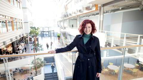 Maria Jansen Garø (25) er nyansatt siviløkonom i Storebrand, her er hun fotografert under et besøk på BI.