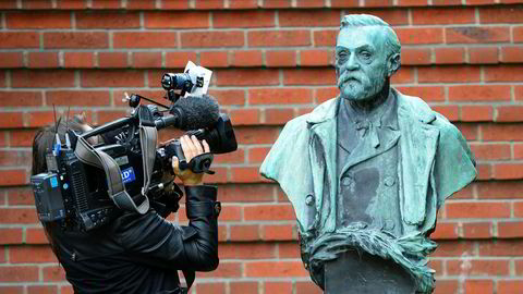 Lundestad tolker Nobel som person, ikke hans testament; han har dessverre manglet den juridiske innsikt stillingen krevde, sier forfatteren.
