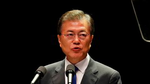 – Alle sørkoreanere har jobbet så hardt for å bygge opp igjen landet etter Koreakrigen. Jeg vil gjøre alt for å forhindre en ny krig, så jeg vil at sørkoreanerne skal føle seg trygge på at det ikke blir krig, sier Sør-Koreas president Moon Jae-in.