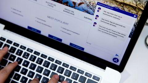 Kommunekari er Sandefjord kommune sin nye chatrobot, der kan innbyggerne skrive inn spørsmål og få svar.