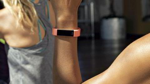 Fitbit Alta HR er Fitbits smaleste aktivitetsmåler med pulsmåling på armen.