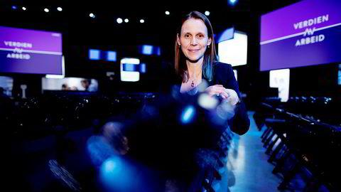 – Jeg har ikke betalt for hjelp til hjemmet, men jeg skjønner at noen gjør det, sier Tekna-president Lise Lyngsnes Randeberg under NHOs årskonferanse i Oslo Spektrum.