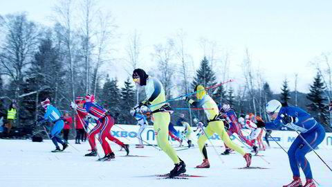 Mangel på snø har satt en stopper for flere turrenn i vinter. Her fra starten av Holmenkollmarsjen i 2015. Nå er dette rennet utsatt til mars.
