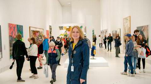Kristin Gamme Helgaker, salg- og markedssjef, forteller DN at Kistefos har gått fra å være en skjult perle, til et verdenskjent museum. I år har de femdoblet antall besøkende – og det bare halvveis i sesongen.