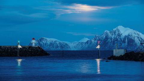 Moloen ved fiskebygda Hovden i Vesterålen.