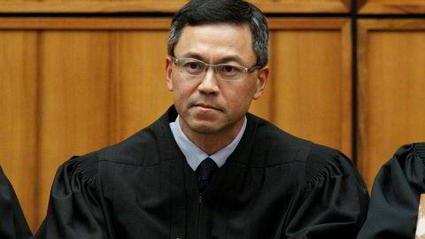 Dommer Derrick Watson på Hawaii forlenger forføyningen mot presidentens innreiseforbud.