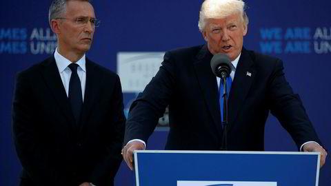 NATOS generalsekretær Jens Stoltenberg (t.v.) og USAs president Donald Trump (t.h.) var blant de første til å kommentere det siste terrorangrepet i London. Bildet ble tatt under Nato-taoppmøtet 25. mai.