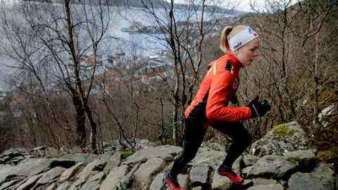 Eli Anne Dvergsdal forsøker å tenke at hun skal åpne rolig under motbakkeløp. Her er hun på vei opp Stoltzen, Bergens berømte motbakke.