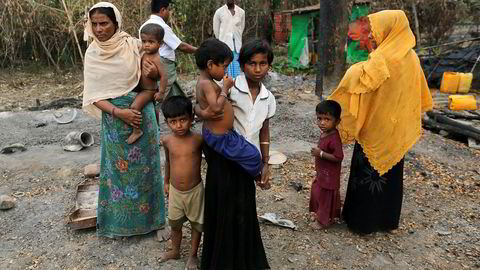 Soldater beskyldes for å stå bak etnisk rensning i delstaten Rakhine i Myanmar. Hele landsbyer er brent ned de siste ukene. Utenlandske journalister og bistandsarbeidere har ikke tilgang til regionen. Flere tusen barn trues av sult.
