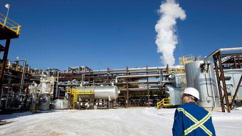 Statoil har investert rundt 100 milliarder kroner i Nord-Amerika. De selger siste rest fra oljesandvirksomheten i Canada, men blir sittende med en indirekte eierpost i et kanadisk selskap.