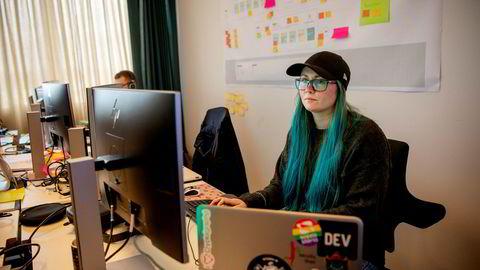 Sikkerhetsspesialist Marit Tokle i Sopra Steira er overrasket over hvor lett det er å utføre et phishingangrep.
