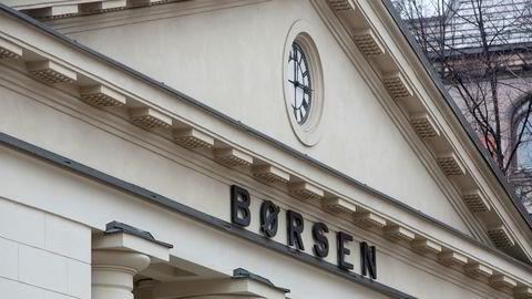 Hovedindeksen på Oslo Børs falt på ukens første dag.